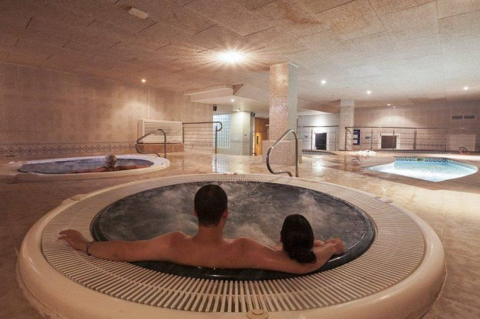 Jacuzzi del circuito termal de Natura Beauty and Wellness spa y centro integral de estética